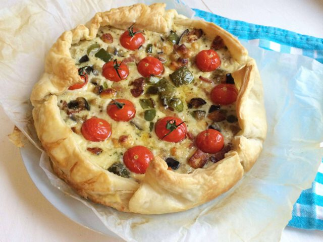 recept voor een ultieme hartige taart met aubergine en halloumi