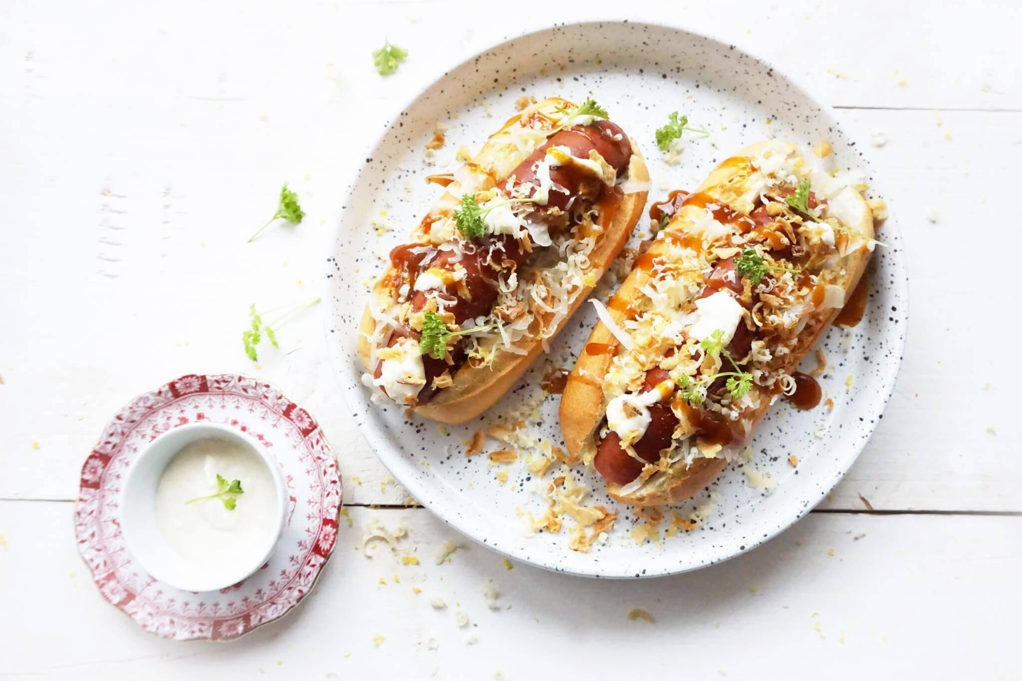 Hotdogs met zuurkool & mierikswortelsaus