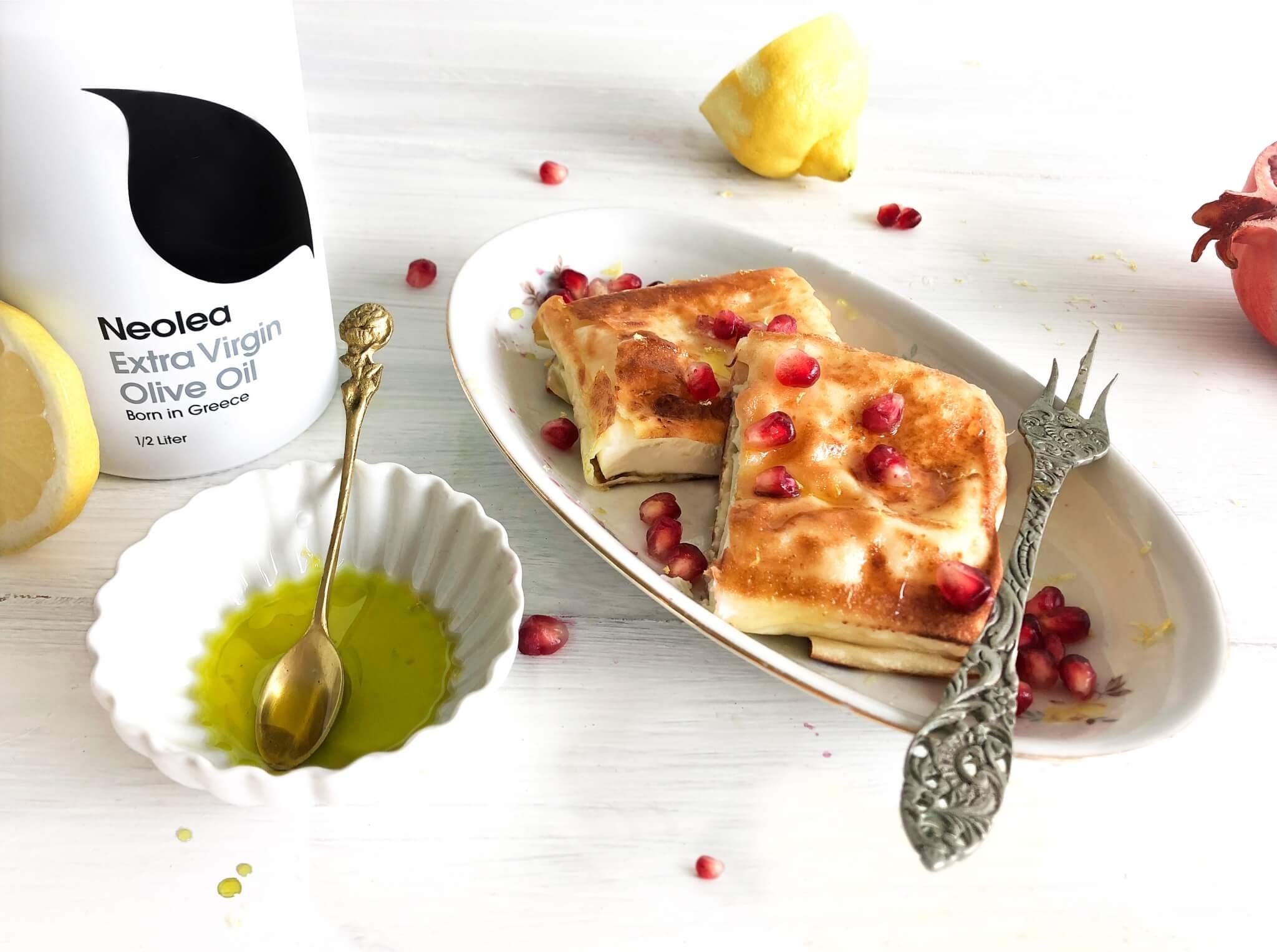 Gebakken feta met Neolea olijfolie en granaatappel