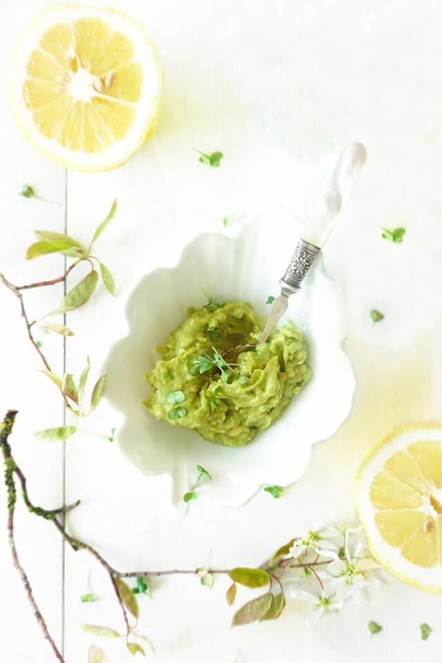 Snelle avocado dip met citroen