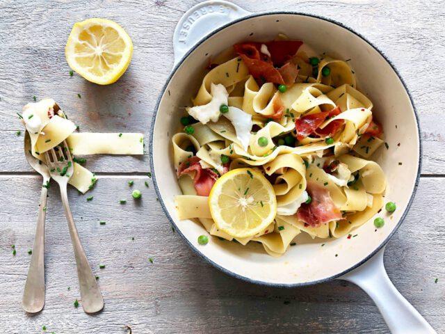 pasta met buffel mozzarella en citroen www.thelemonkitchen.nl