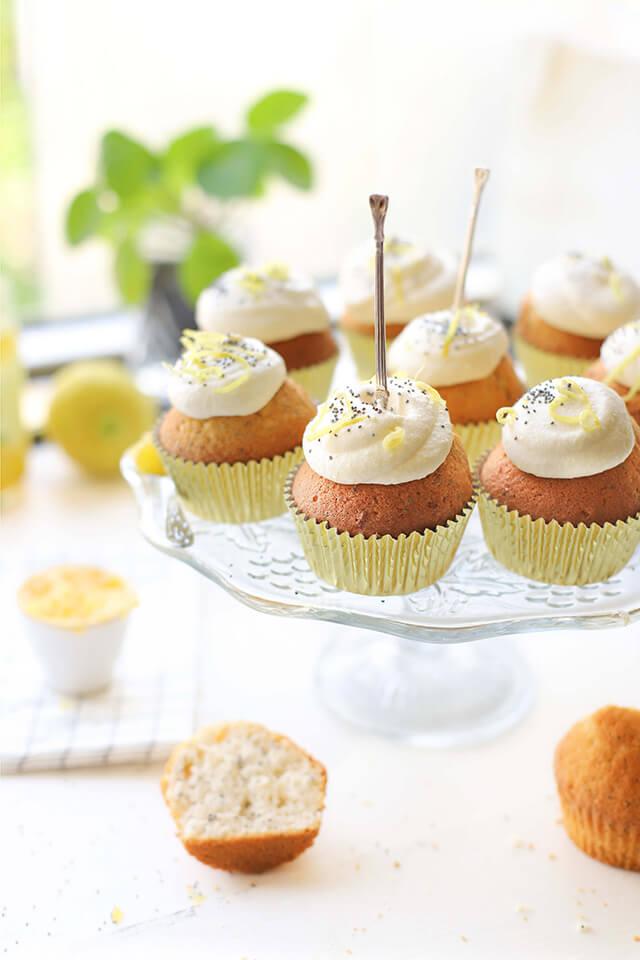 Lemoncurd cupcakes met citroen, ricotta & maanzaad kan je maken in een airfryer