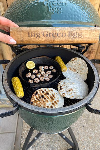 tacos op de big green egg met gambas