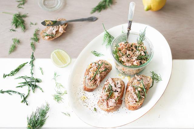 Zalm salade met zeekraal en citroen