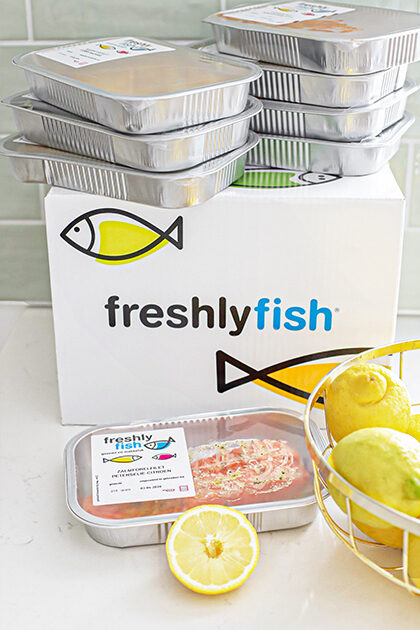 Zalm van Freshly Fish met avocado dip en aardappels