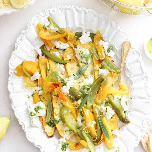 Carpaccio van gegrilde groenten, burrata, pesto & citroen