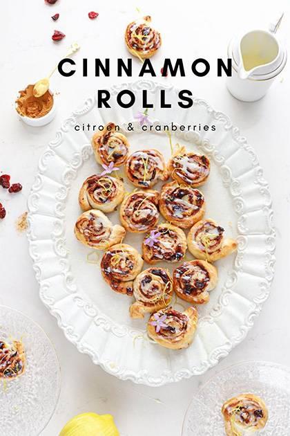 cinnamon rolls met cranberries promo