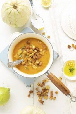 Spicy pompoensoep met citroencroutons