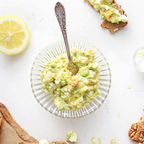 de lekkerste eiersalade met avocado en citroen