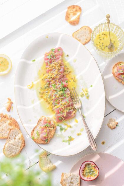 tonijn ceviche met passievrucht en citroen