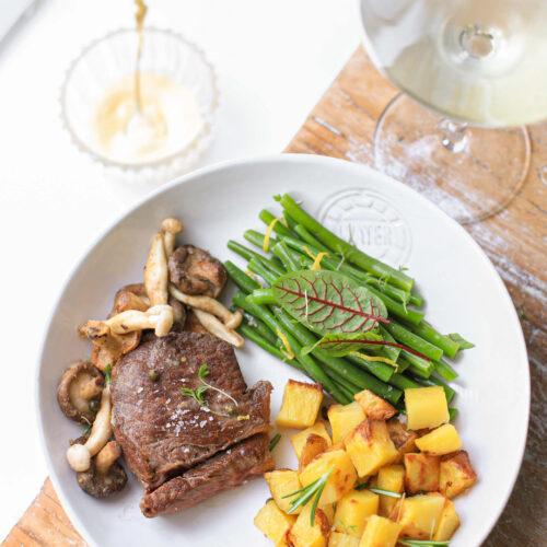 perfecte steak met citroen aardappeltjes en haricots verts boontjes