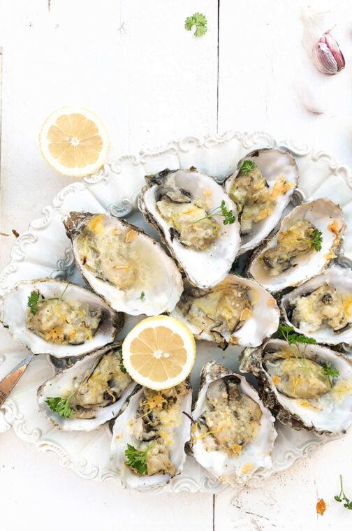 Gegratineerde oesters met oude kaas en citroen