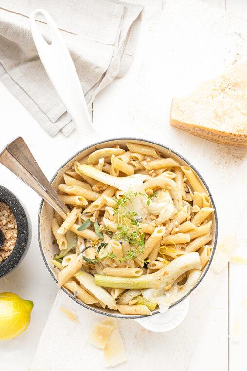 Pasta met venkel, gorgonzolasaus & cashewnoten